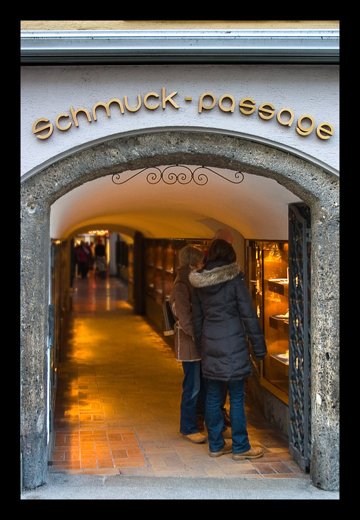 Schmuck Passage